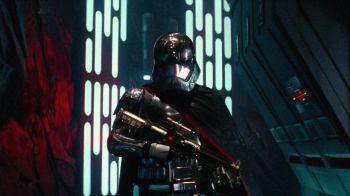 Star Wars: ecco i modellini LEGO a grandezza naturale di Finn, Poe Dameron e del capitano Phasma