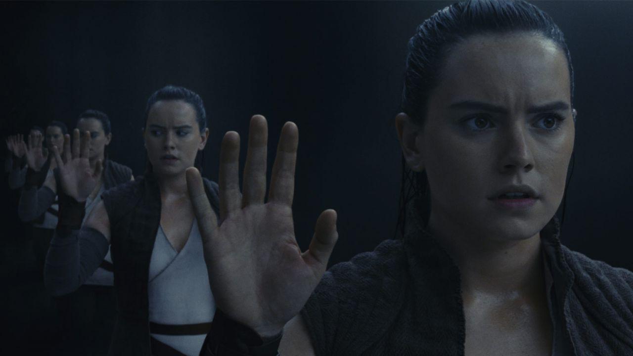 Star Wars: Rian Johnson svela il significato della scena dello specchio di Rey