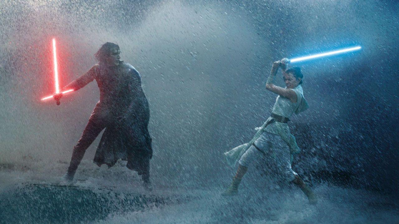 Star Wars, è virale il video del duello con spade laser nella neve di due fan: guardatelo!