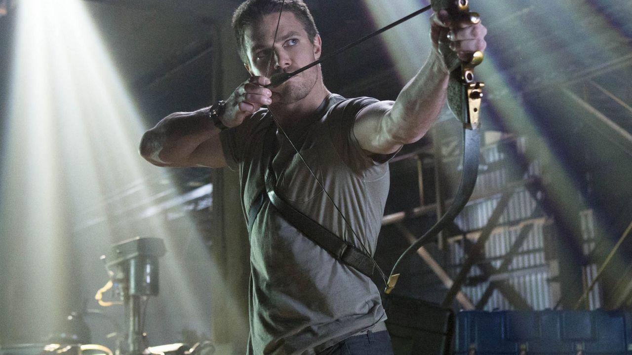Stephen Amell, la zucca di Halloween della star di Arrow è vietata ai minori!
