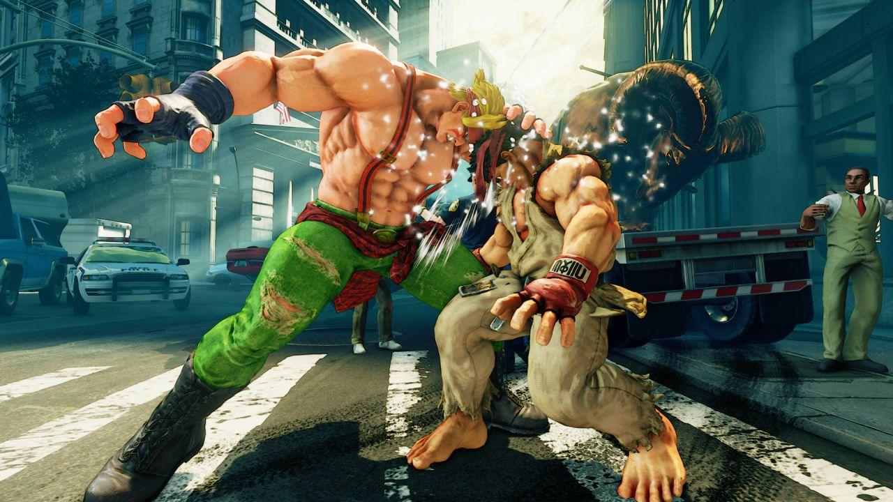 Street Fighter V: Alex le da di santa ragione in alcuni video e mostrati i costumi alternativi