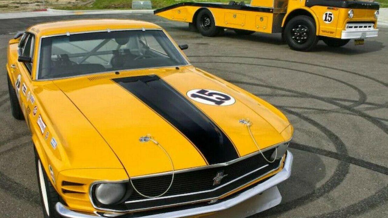 Su eBay una Ford Mustang Boss 302 restaurata: era abbandonata in un fienile