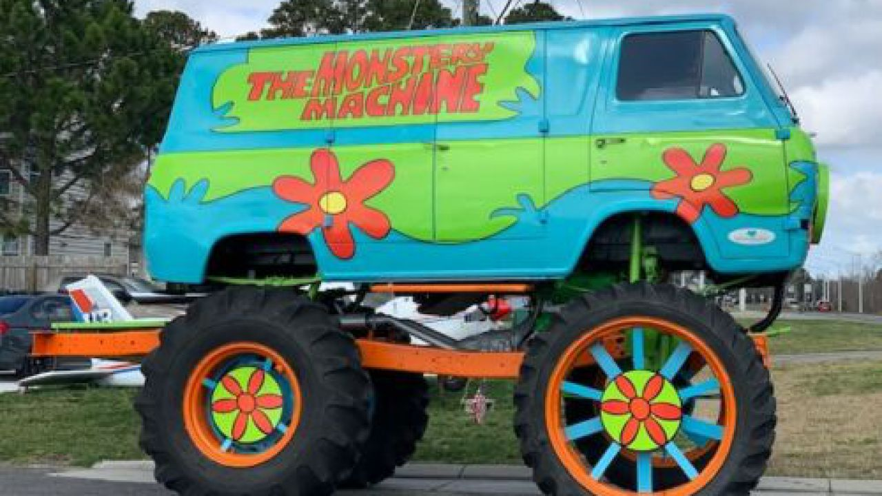 Su eBay un furgoncino Scooby-Doo con ruote da monster truck