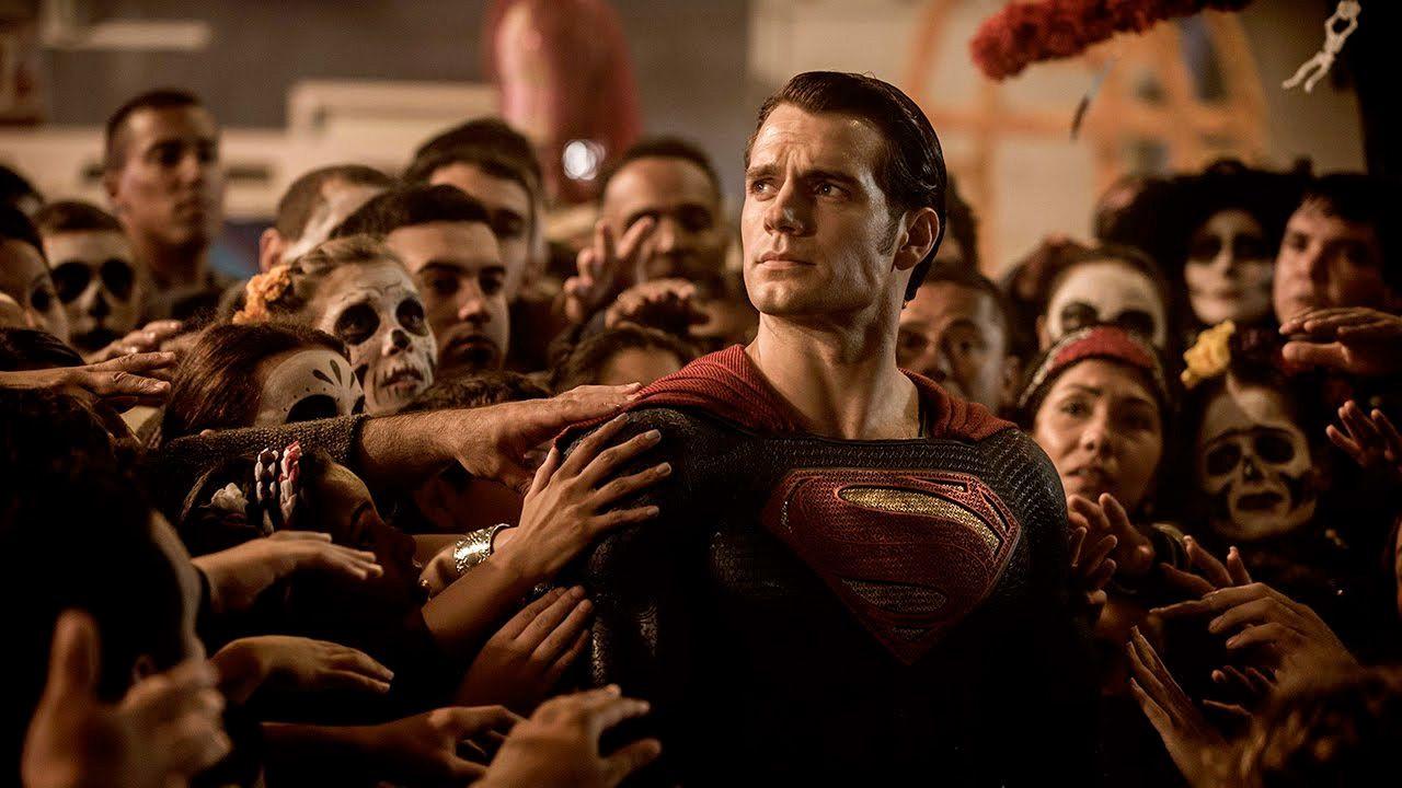 Superman: cosa vuol dire il reboot di JJ Abrams per il futuro di Henry Cavill?