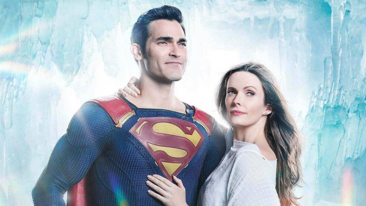 Superman & Lois, la famiglia Kent si riunisce nella nuova foto dal set