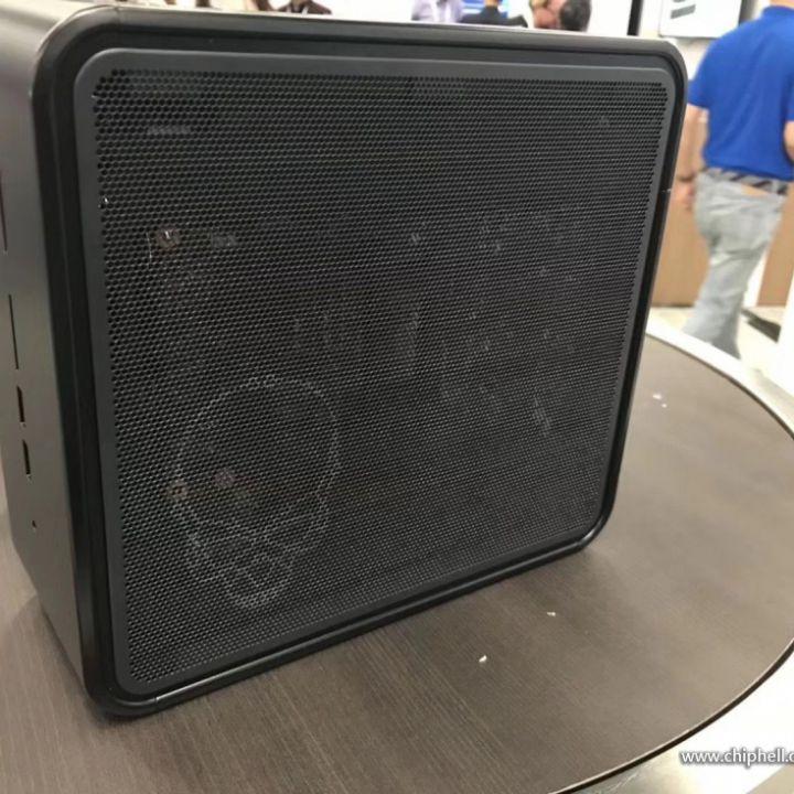 enorme inventario vendita calda autentica di prim'ordine Svelato Intel NUC Quartz Canyon con CPU Xeon e scheda ...