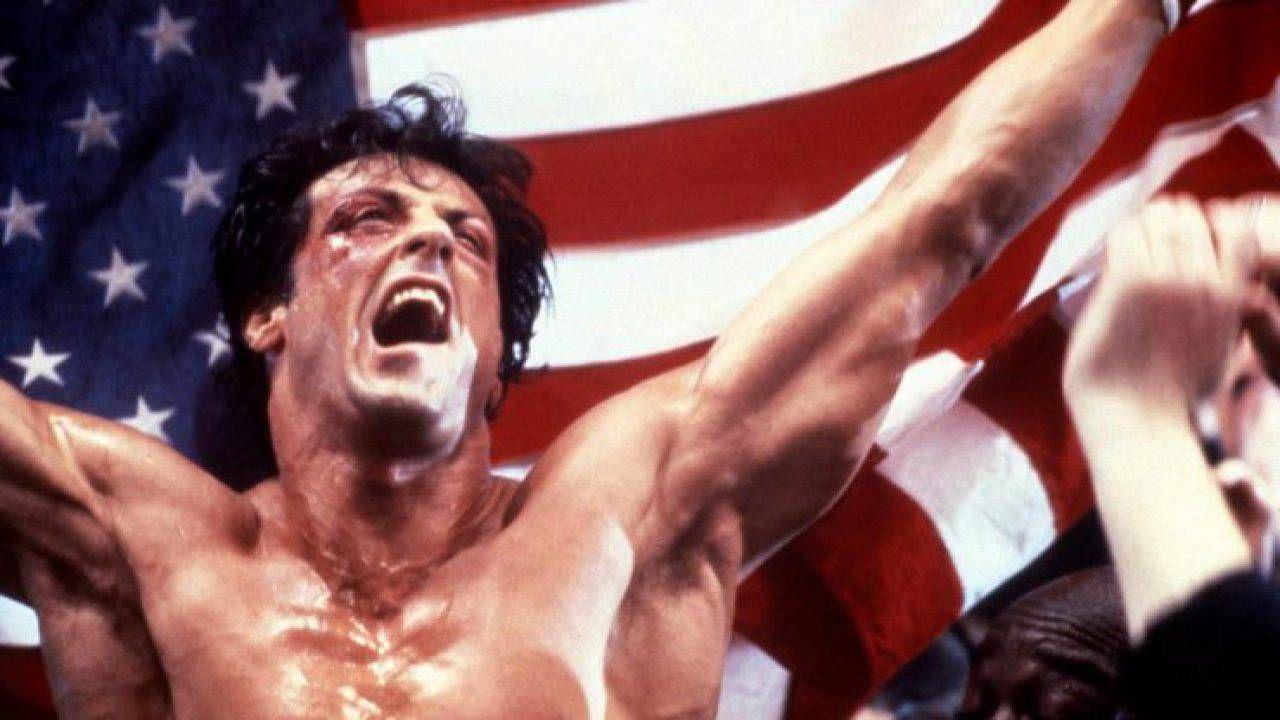 Sylvester Stallone commosso da una statua di Rocky: 'Mi sento onorato'
