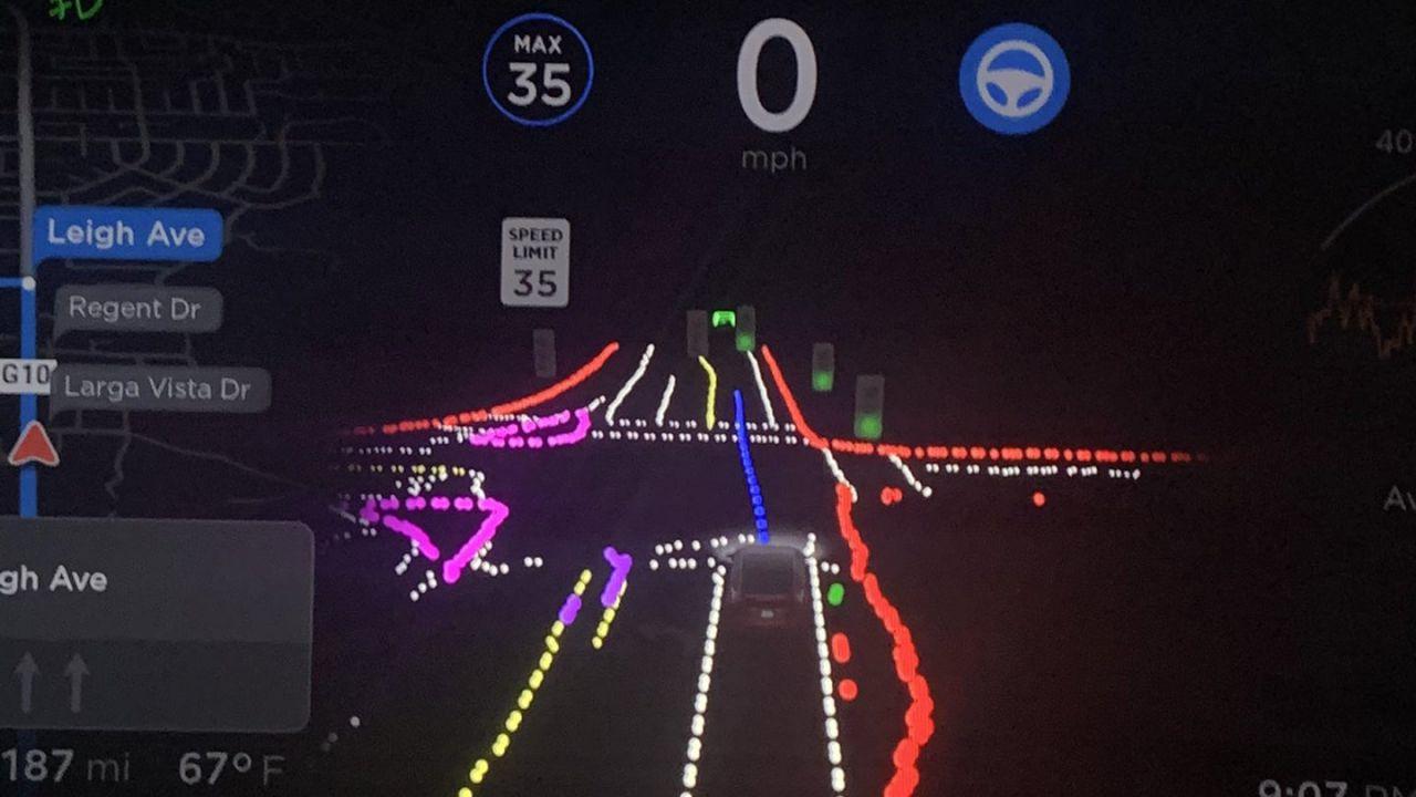 Tesla ammette:'La Guida Autonoma può fare la cosa sbagliata al momento sbagliato'