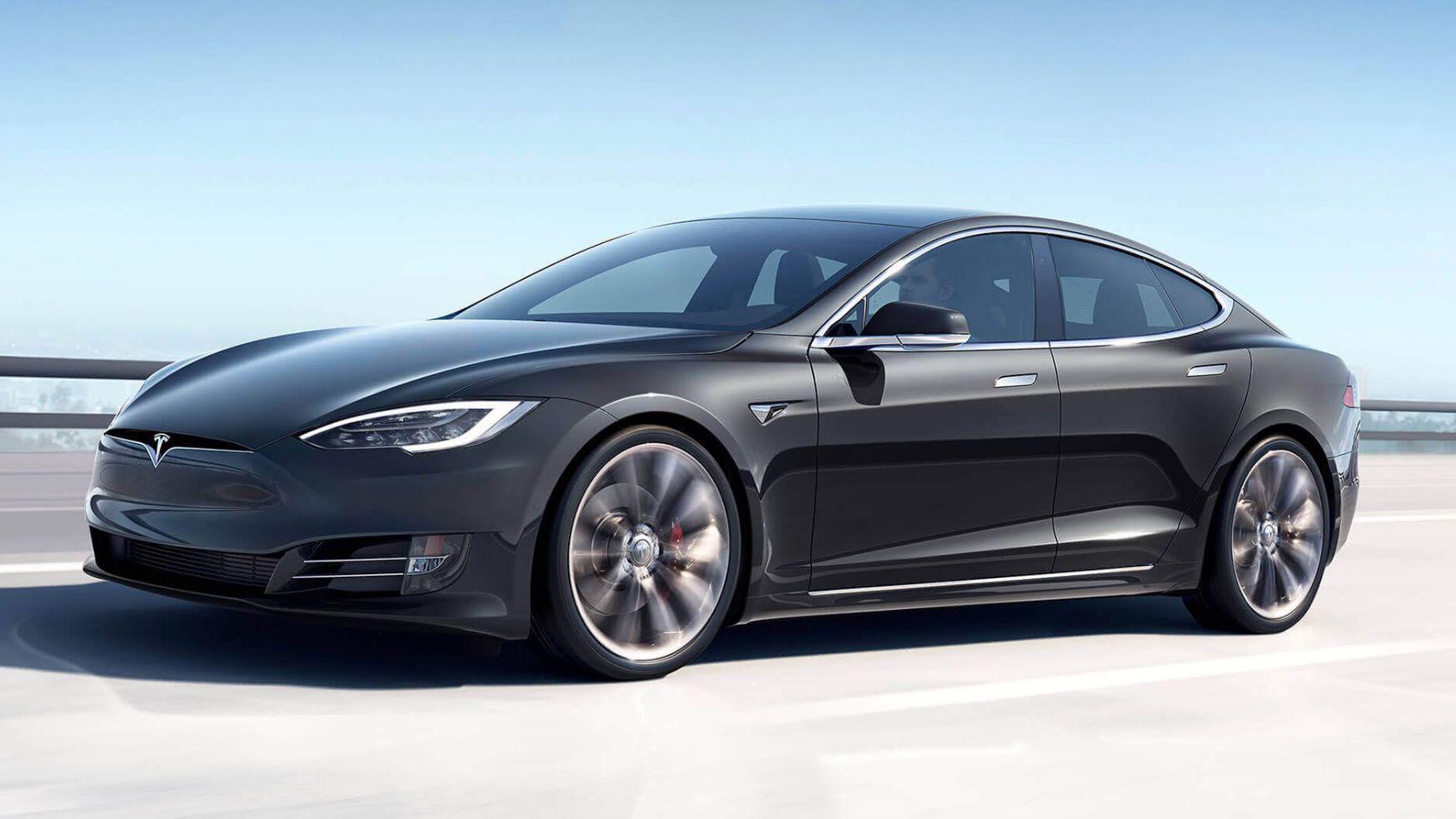 Tesla aumenta l'autonomia di Model S e Model X Long Range: si arriva a 595 km