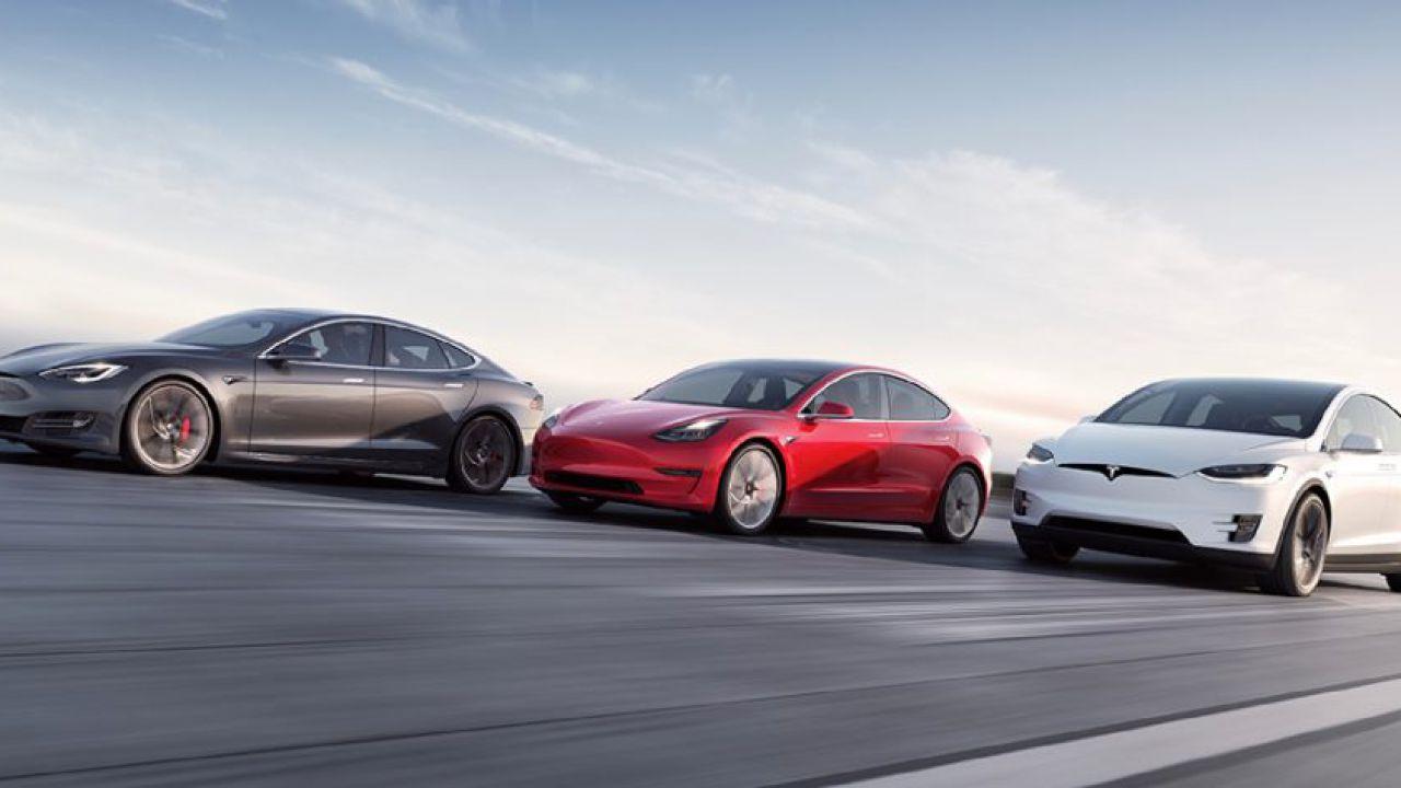 Tesla continua a volare: da adesso è la casa automobilistica di maggior valore