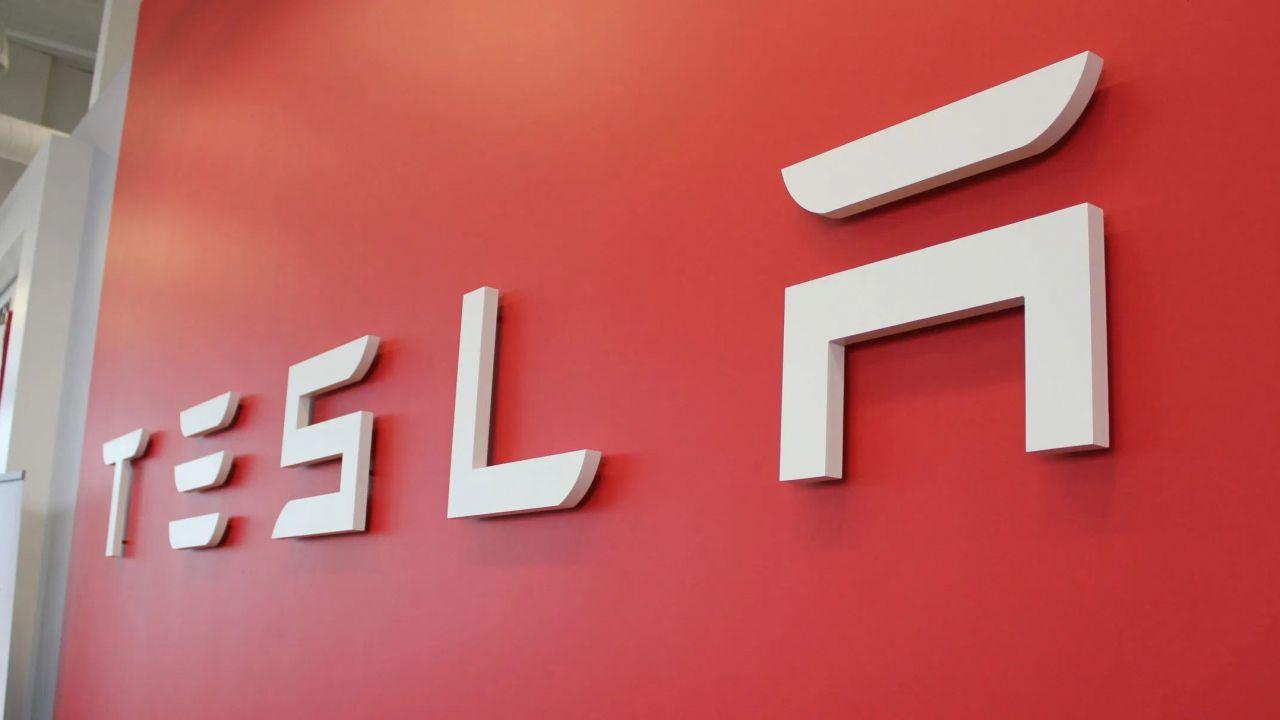 Tesla costruirà Model Y e Model 3 in Europa: in arrivo 12 miliardi di investimenti