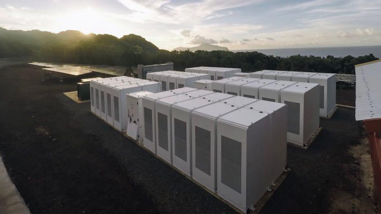 Tesla ha già costruito oltre 120 microgrids in tutto il mondo