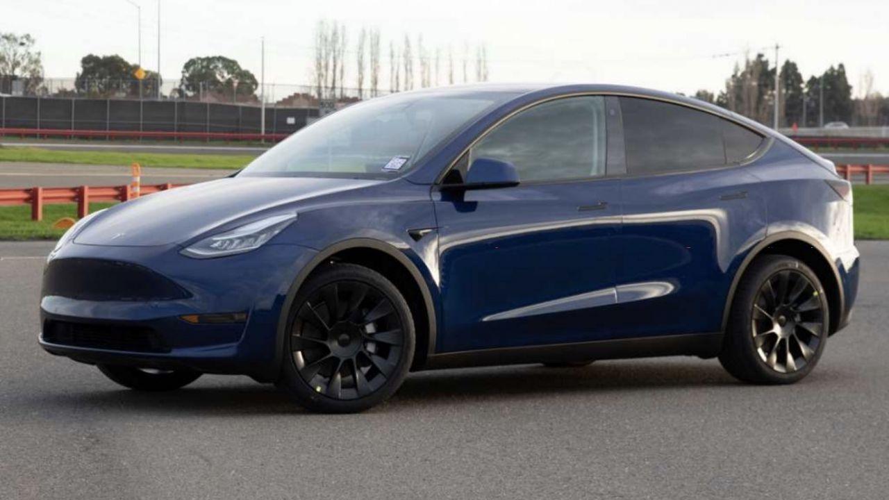 Tesla ci fornisce la prima immagine della Model Y definitiva