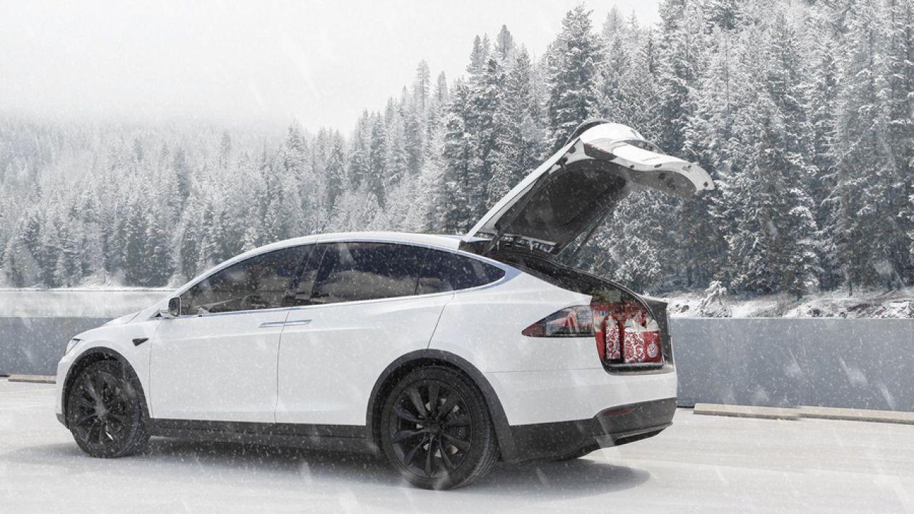Tesla impara dall'inverno e rilascia un aggiornamento per gestire le basse temperature