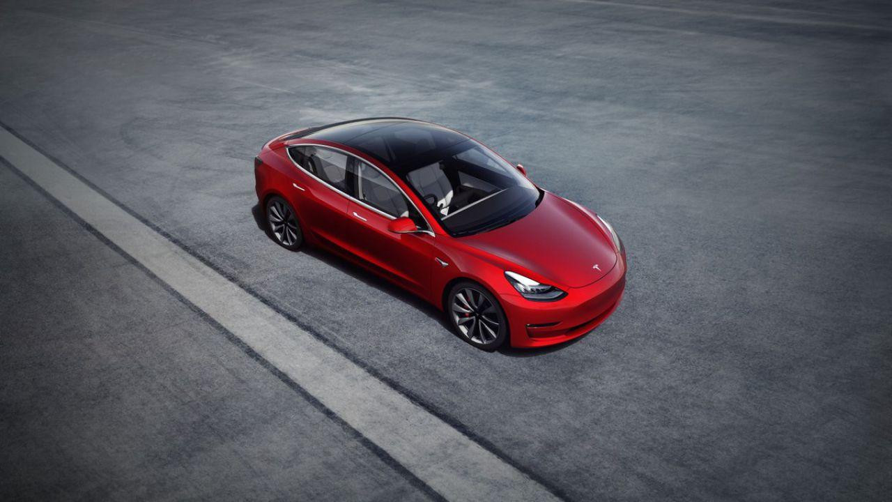 Tesla Model 3 con pacco batterie da 82 kWh: è un nuovo modello?