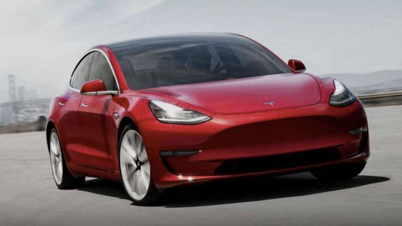 Tesla potrebbe portare Autopilot anche sulla Model 3 Long Range RWD