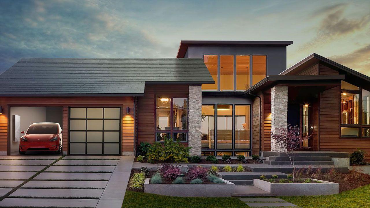 Il tetto con le tegole che producono energia solare di Tesla