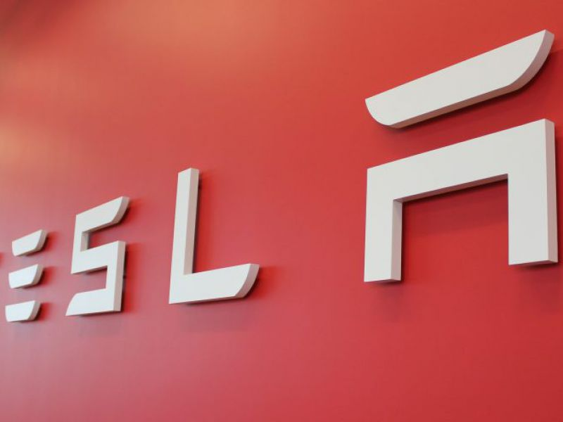 Tesla potrebbe raddoppiare il suo valore entro due anni: lo dice un analista