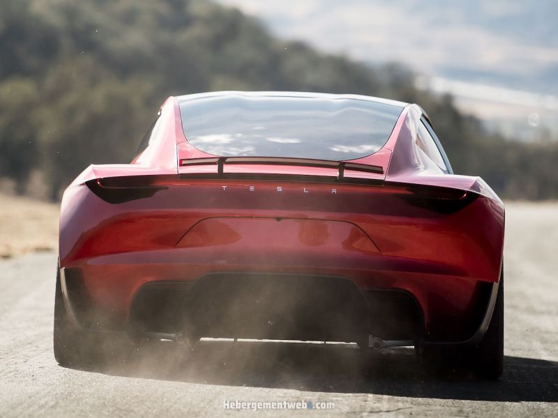 Tesla Roadster: ecco le sue 5 caratteristiche più assurde