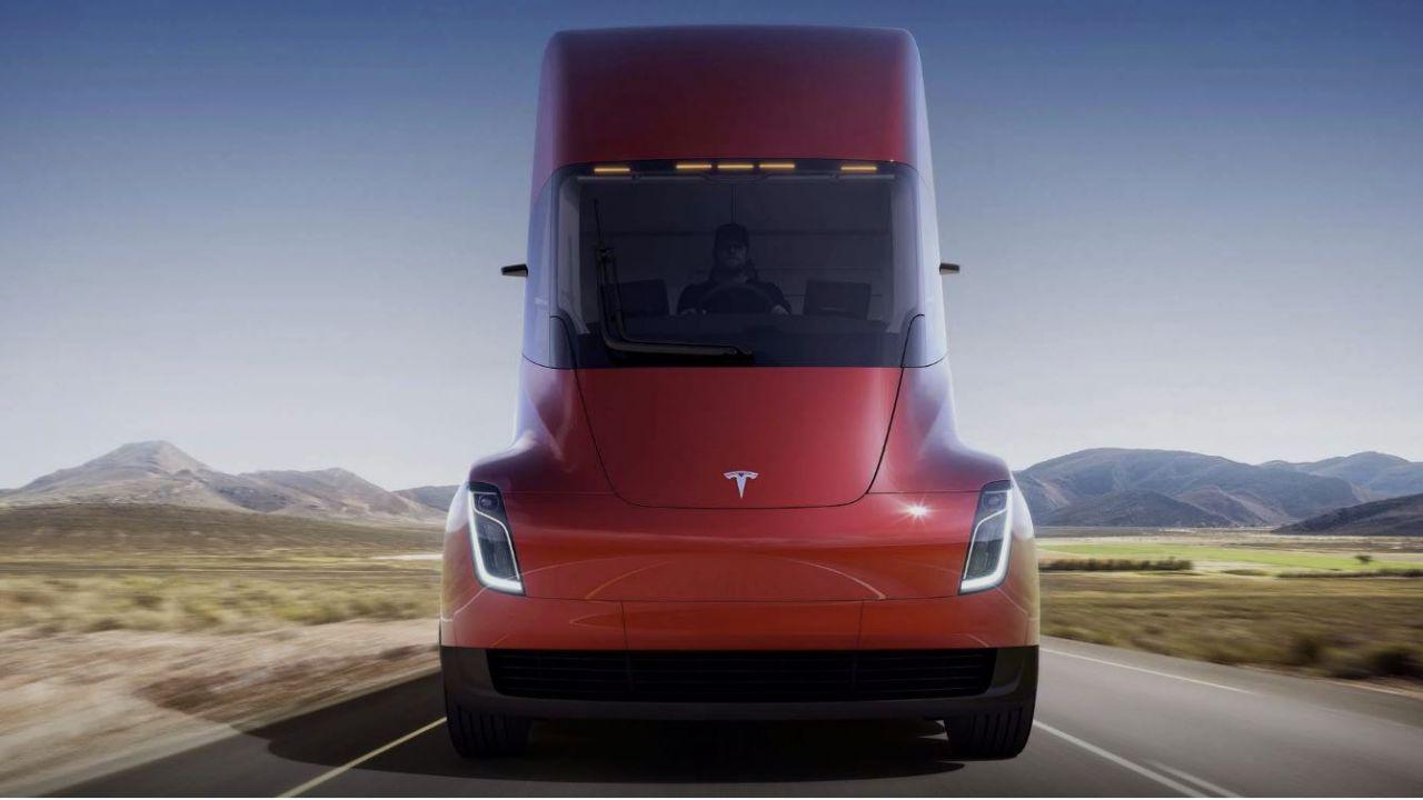 Tesla Semi, perché l'azienda sta cercando di cambiare una legge del 1956