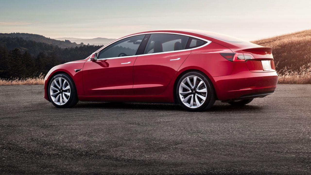 Tesla: vendite in crescita del +277% in Italia grazie al successo della Model 3