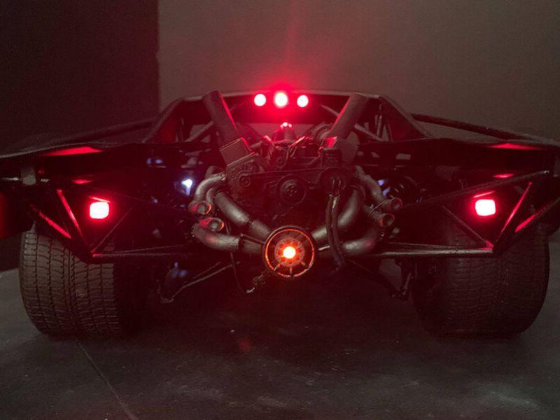 The Batman: ammirate il modello della nuova Batmobile in questa serie di scatti