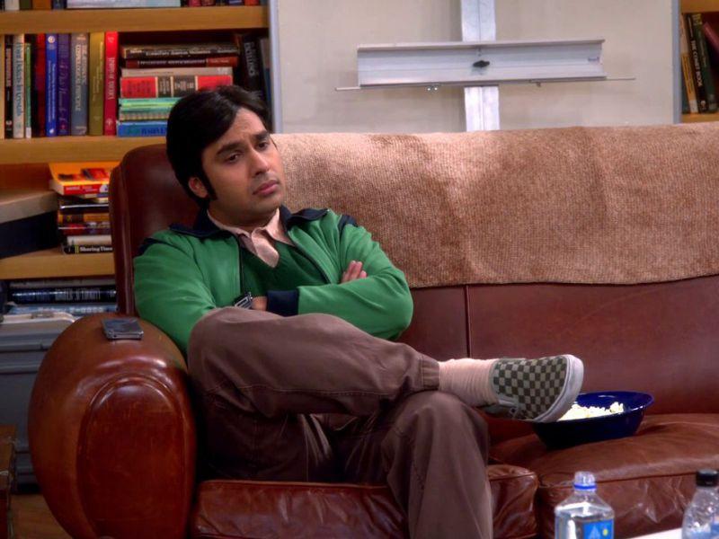The Big Bang Theory, Kunal Nayyar lascia i social network: 'Se avete bisogno, scrivetemi'