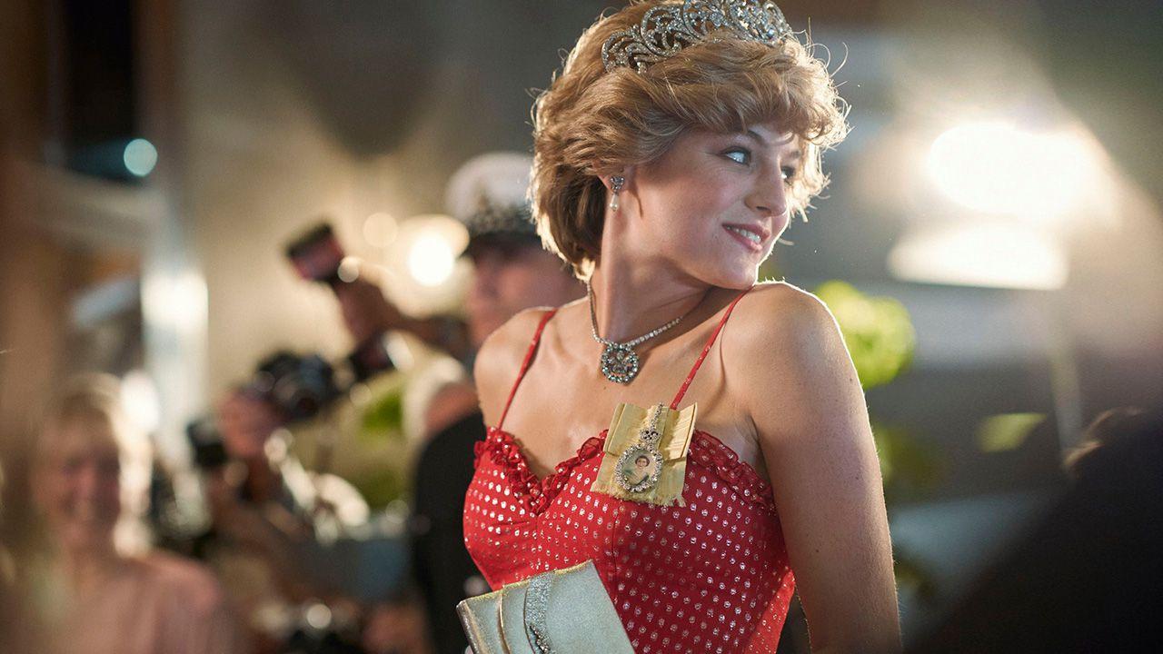The Crown, Emma Corrin : 'Ecco cosa chiederei a Diana e cosa direi ad Harry e William'