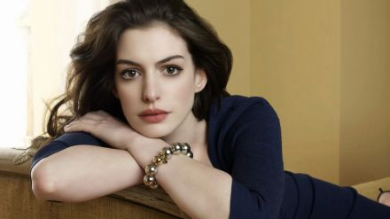 The Lifeboat: Joe Wright alla regia, Anne Hathaway protagonista