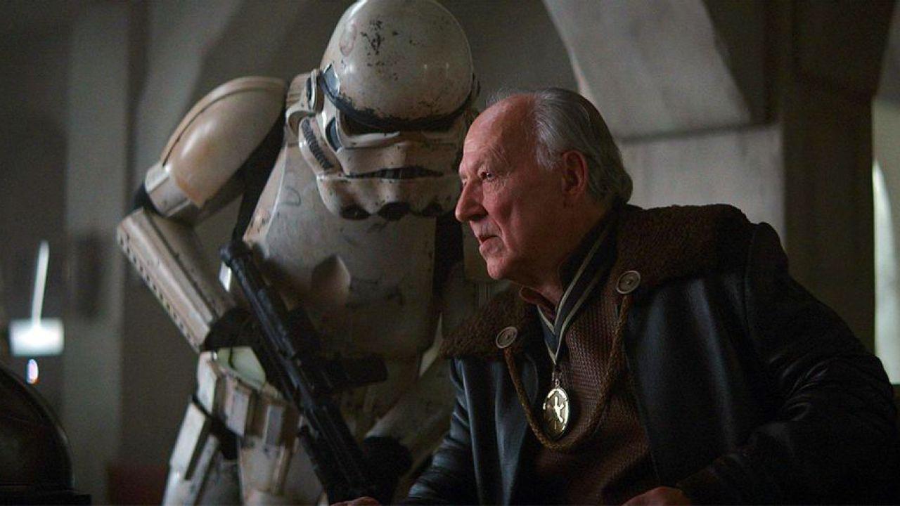 The Mandalorian: il Cliente e Moff Gideon erano nemici? Ecco la teoria legata a Baby Yoda