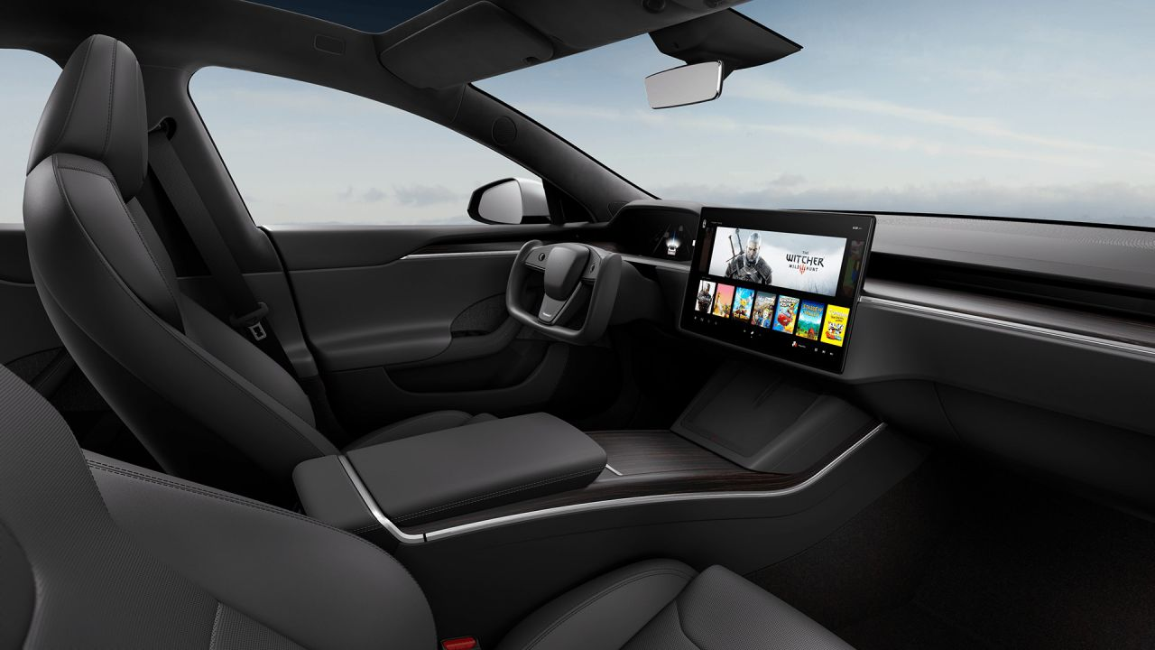 The Witcher 3 girerà sulla nuova Tesla, Elon Musk non stava scherzando