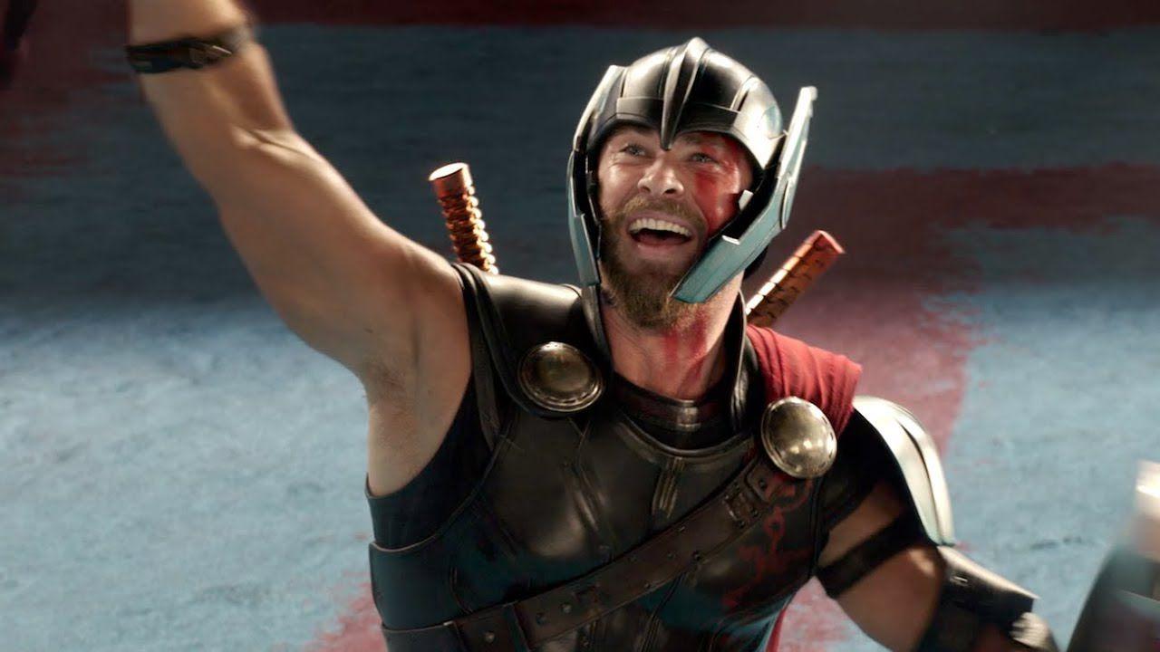 Thor, Chris Hemsworth si commuove leggendo la dedica del figlio