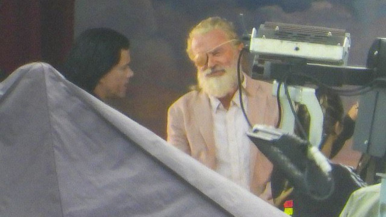 Thor: Love and Thunder, Sam Neill e Matt Damon finti Odino e Loki nelle nuove foto dal set