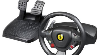 Thrustmaster presenta il volante Ferrari 458 Italia Racing Wheel for Xbox 360