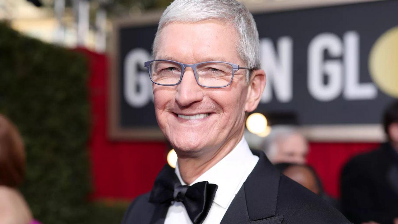 Tim Cook: patrimonio ad 1 miliardo di Dollari, ma è il CEO più povero del settore tech