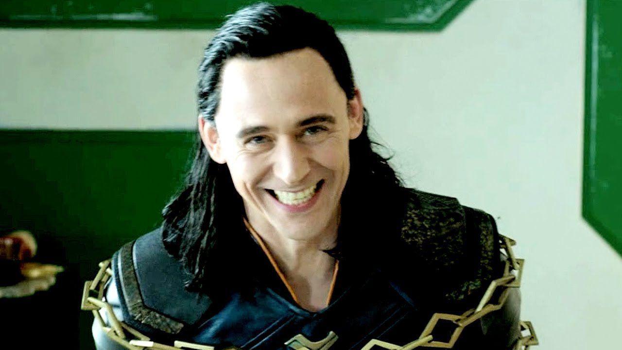 Tom Hiddleston torna nei panni di Loki nel clamoroso trailer ufficiale della serie Marvel!
