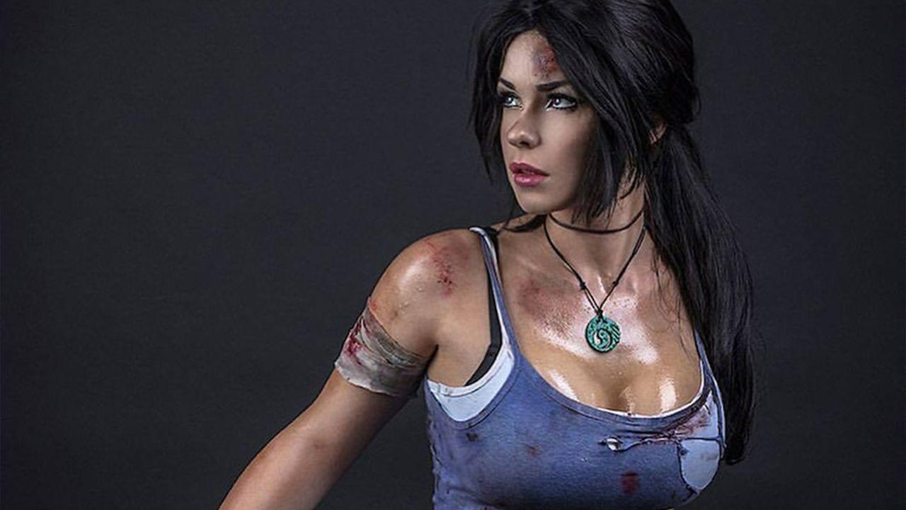 Tomb Raider: Lara Croft in due versioni con i cosplay di Enji Night