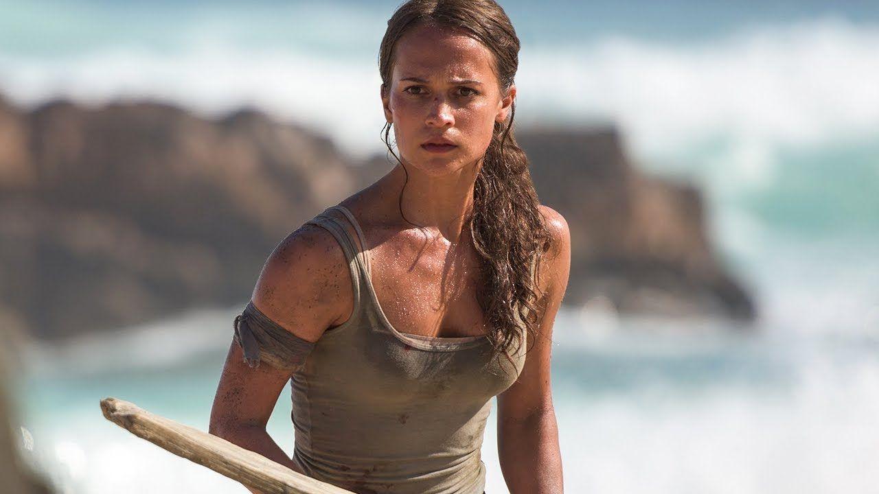Tomb Raider, Walton Goggins: 'Spogliarmi davanti ad Alicia Vikander era imbarazzante'