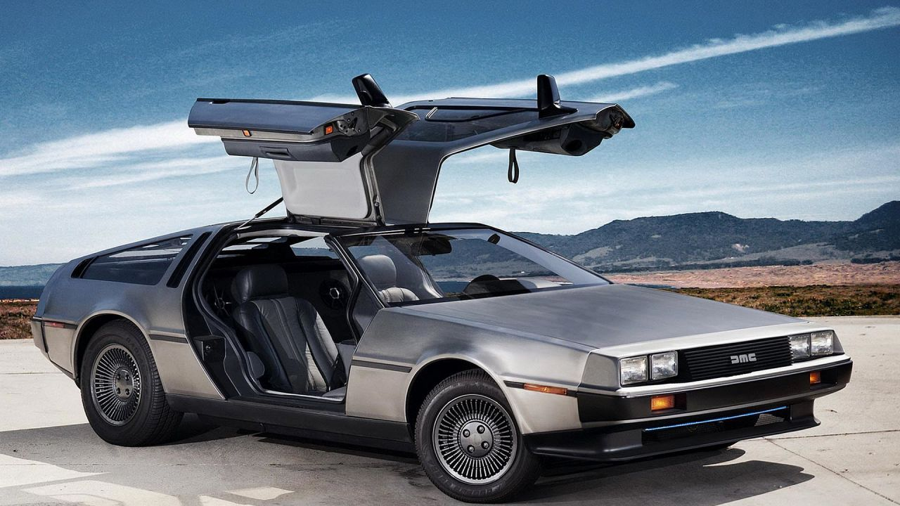 Torna la mitica DeLorean DMC-12: tecnologica e con motore da 350 CV