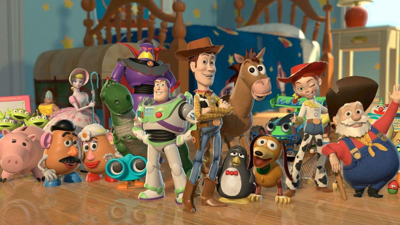 Toy Story 4: Woody, Buzz e nuovi amici si riuniscono in un meraviglioso artwork