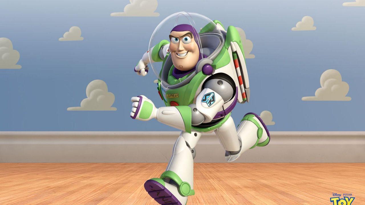 Toy Story, e se la caduta di Buzz nel primo film fosse stata più traumatica del previsto?