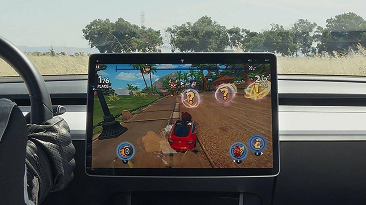 Tre nuovi videogiochi sbarcano sulle Tesla: ecco quali