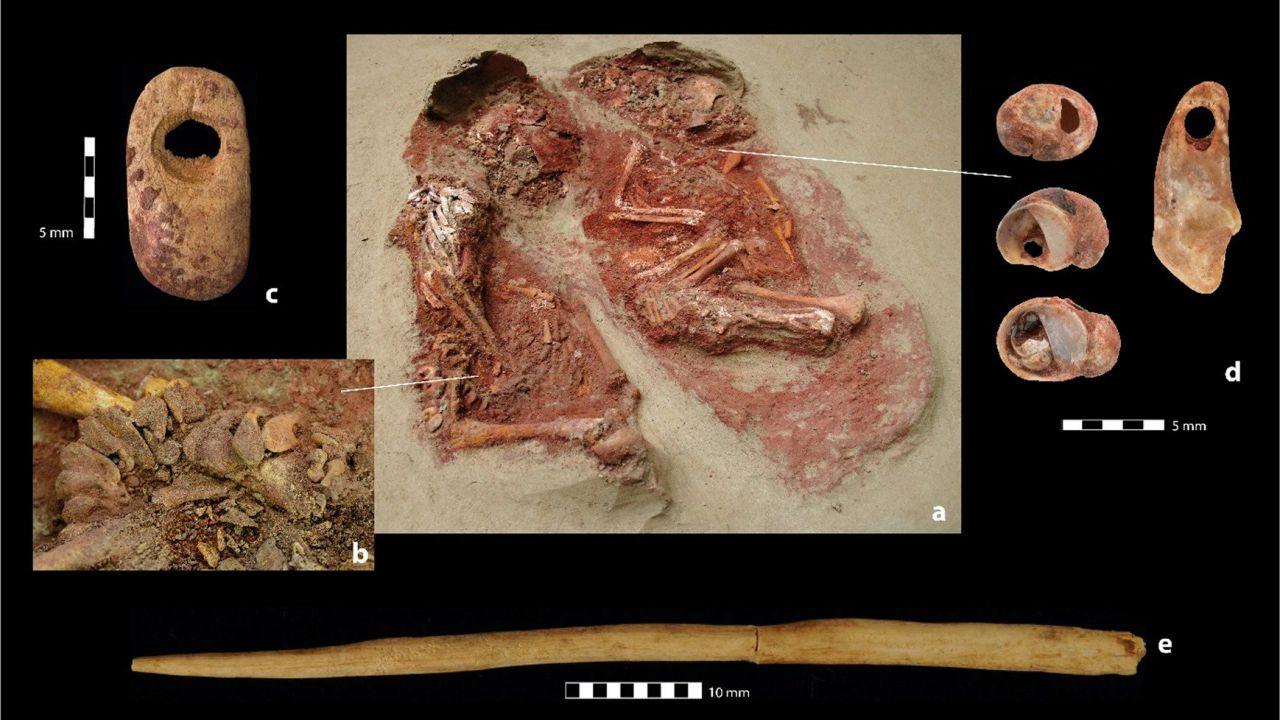 Trovata la tomba dei gemelli monozigoti più antichi al mondo