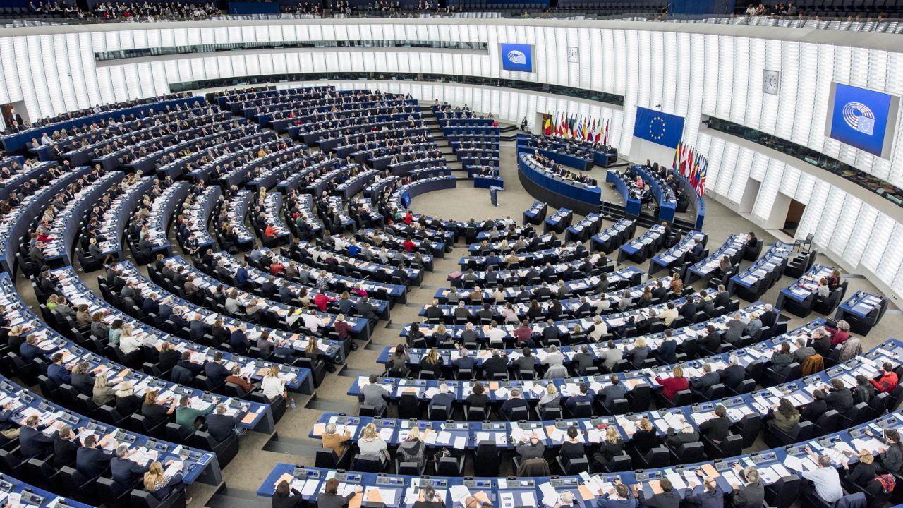 Truffe online su acquisti il parlamento europeo rafforza for Parlamento on line
