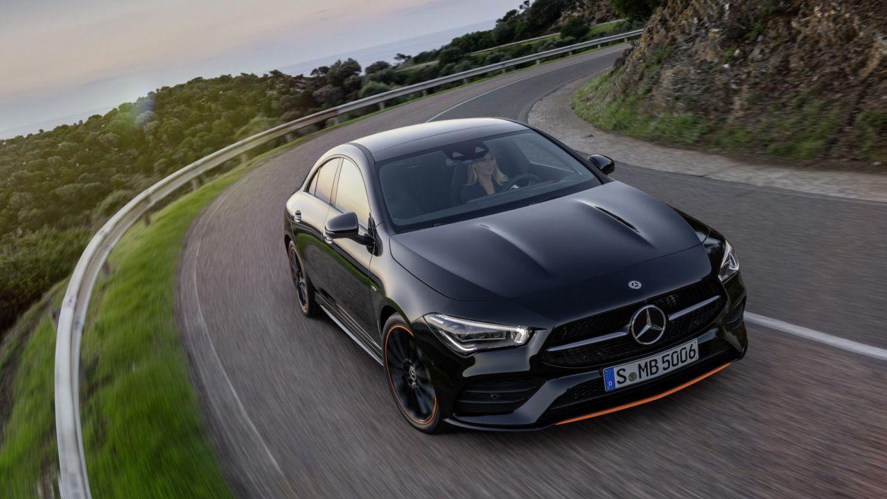 Ufficiale la nuova Mercedes CLA Coupé, berlina hi-tech