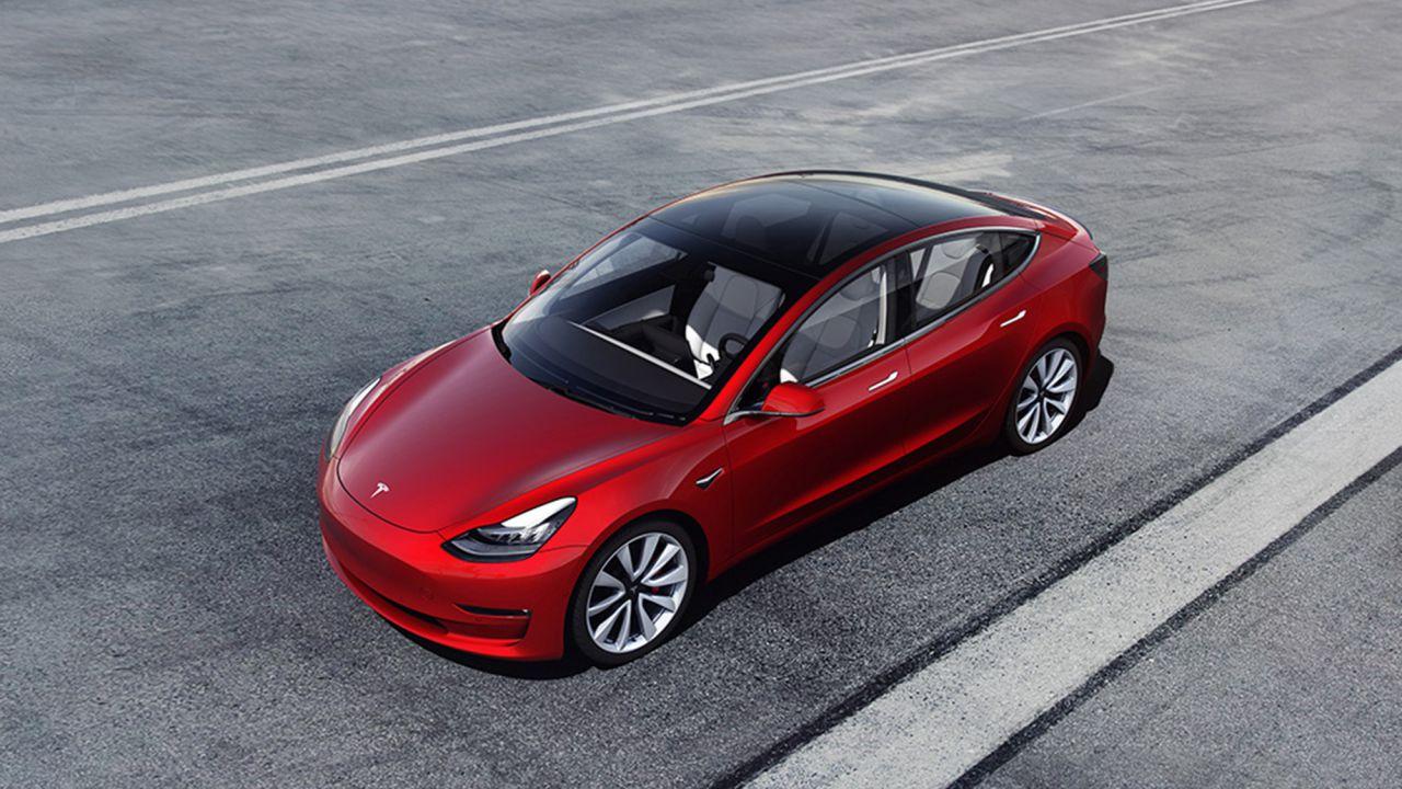 Ufficiali i prezzi italiani della Tesla Model 3: due le versioni al lancio