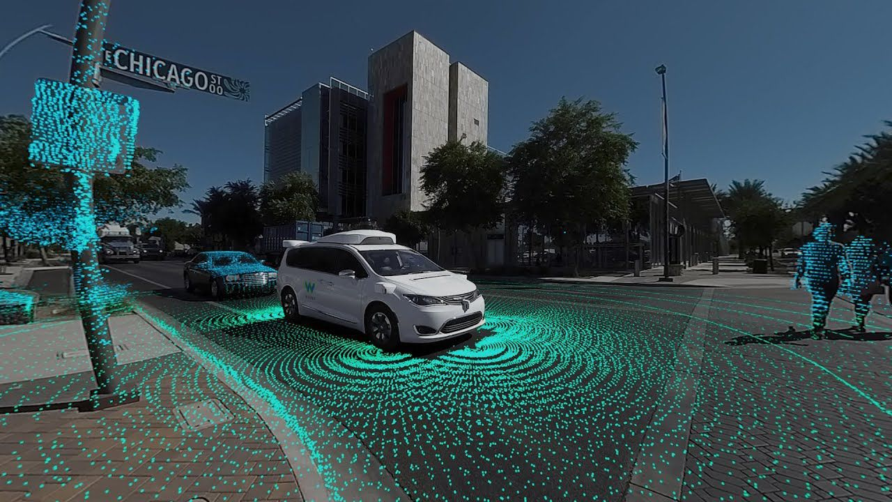 UK: entro l'anno le auto a guida autonoma potranno circolare senza conducente