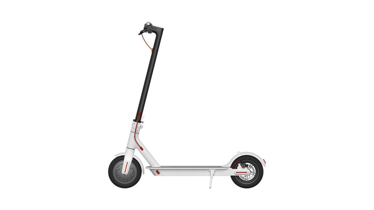 Ultime ore per acquistare lo Xiaomi Mi Electric Scooter con i Summer Days di Unieuro