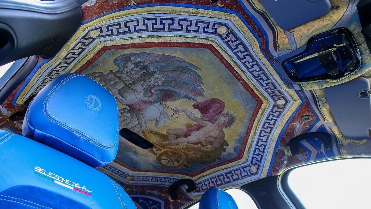Un'Alfa Romeo Giulia affrescata: la creazione di Lapo Elkann si noleggia con Hertz