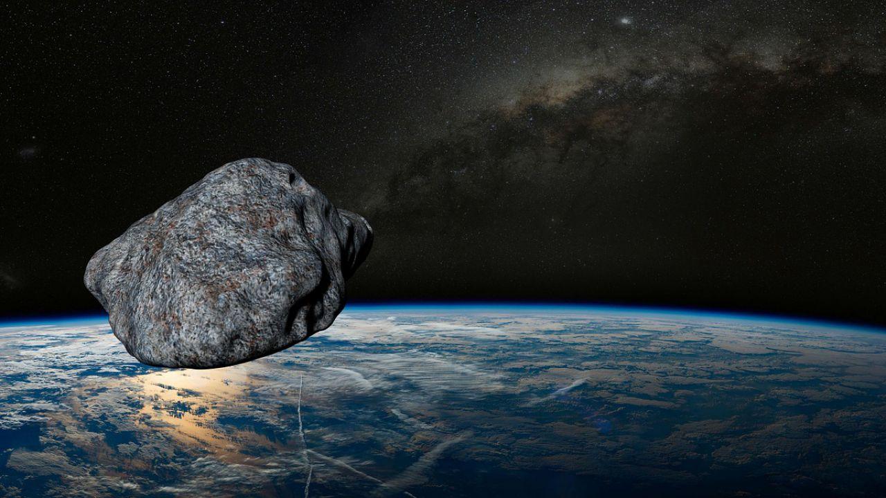 Un asteroide gigantesco passerà 'vicino' alla Terra